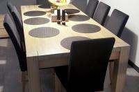 Masívny dubový jedálenský stôl