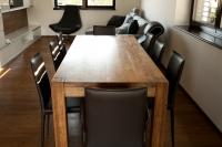 Stôl jedálenský masív model ED STJED 2014-3, a podlaha masívna Eurodreveník s.r.o
